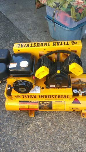 Titan industrial professional 8 gallon air compressor for Sale in Joint Base Lewis-McChord, WA