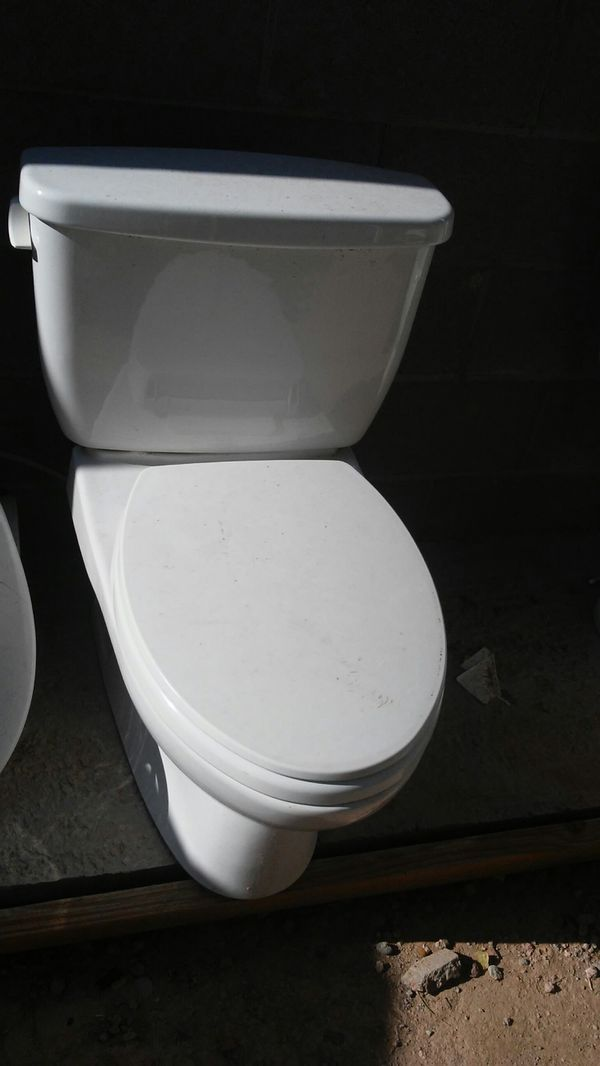 Sana gloss toto toilet for Sale in Avondale, AZ - OfferUp