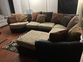 HAVERTYS PLUSH USED MOCHA SMALL 3PC SECTIONAL & REVOLVING CHAIR $399 OBO...ALL OFFERS WELCOME!! Thumbnail