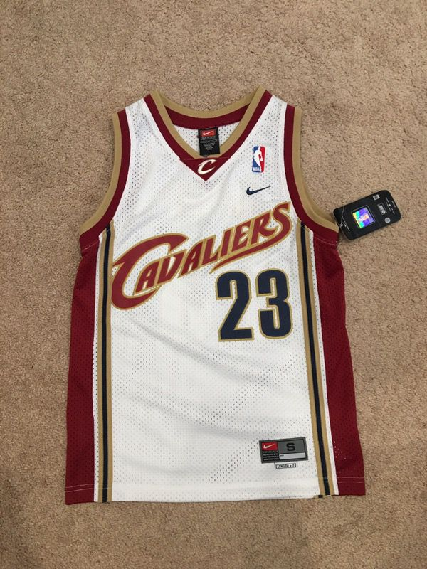 huge selection of edf8c 3993d Lebron James Nike Cavaliers Rookie Jersey BOYS/YOUTH size Small for Sale in  Hayward, CA - OfferUp