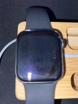 Apple Watch Series 5 Cellular Model 40mm Thumbnail