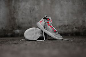 Nike Air Jordan Reveal Premium Grey Infrared Size 6y for Sale in Orlando, FL