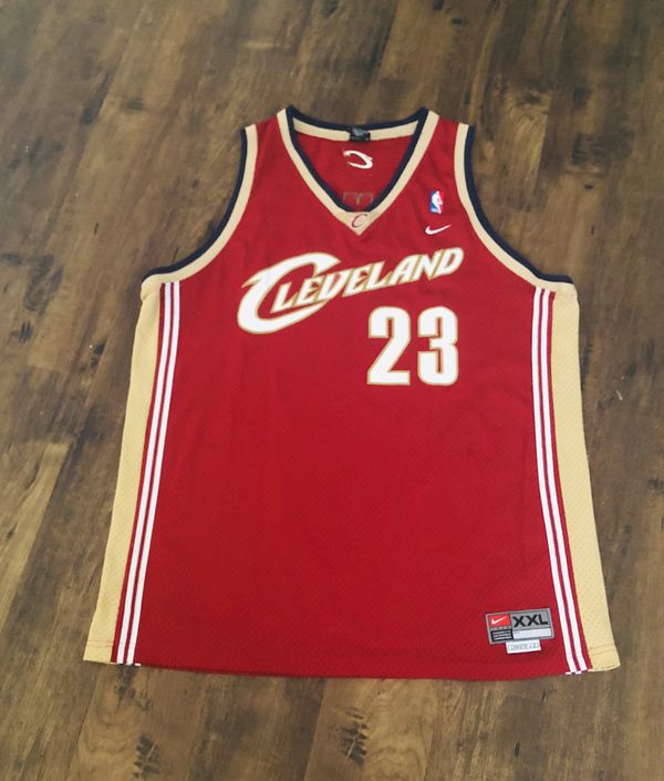 watch 85c26 d135b Lebron james jersey Cleveland cavs for Sale in Henderson, NV - OfferUp