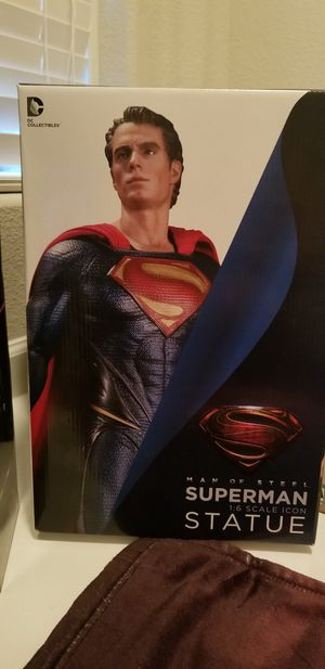 DC Collectibles Superman 1/6 Icon Statue for Sale in Pflugerville, TX
