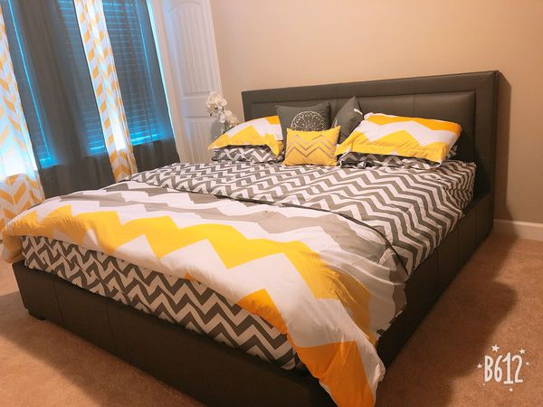 Rooms 2 go king size 3 pcs set (Furniture) in Raleigh, NC - OfferUp