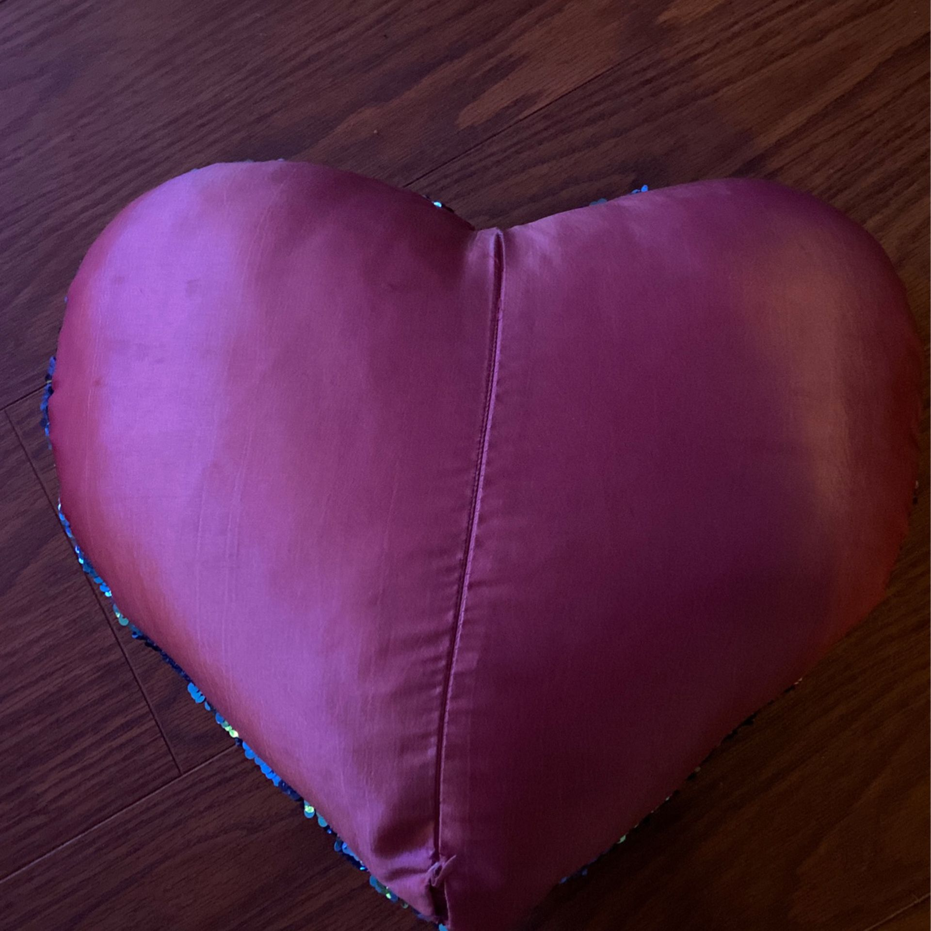 pattern/color changing heart pillow