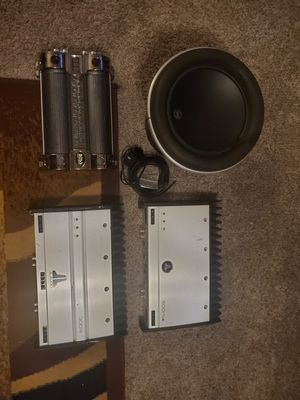 Photo JL audio W710 and 2 JL audio amps