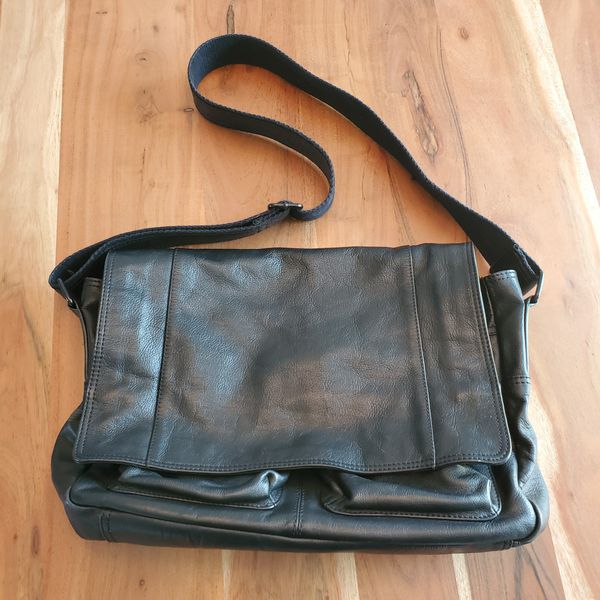 362de03f3 New and Used Messenger bag for Sale in Lacey, WA - OfferUp