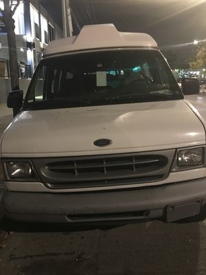 Ford E250 WHEEL CHAIR VAN ..WITH LIFT for Sale in New York, NY