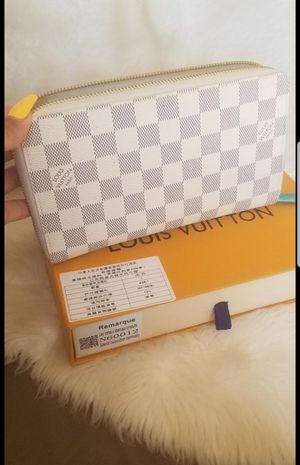 Louis Vuitton damier azur wallet N60012 for Sale in West Puente Valley, CA