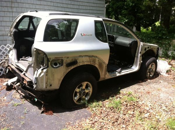 99 Isuzu Vehicross Solid Frame And Chassie For Sale In Woonsocket RI