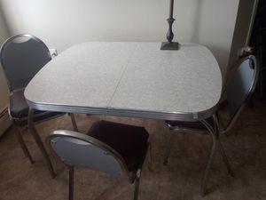 Photo Vintage Kitchen table