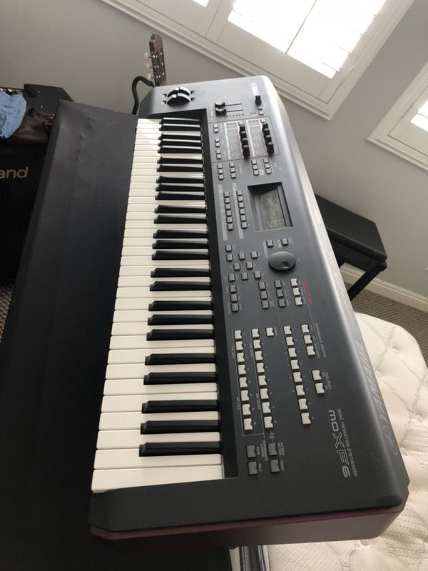 Yamaha moxf6 with fl512mb and extra custom sounds for Sale in Beaumont, CA  - OfferUp