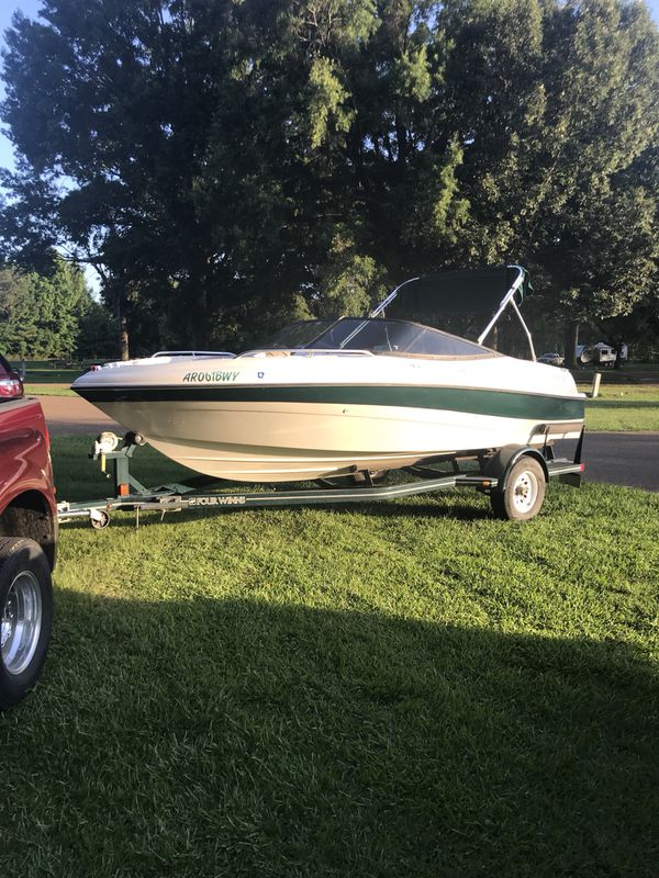 1999 four winns boat, 2011 v8 5.0 motor excellent condition