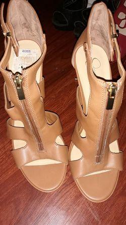 Brown heels Thumbnail