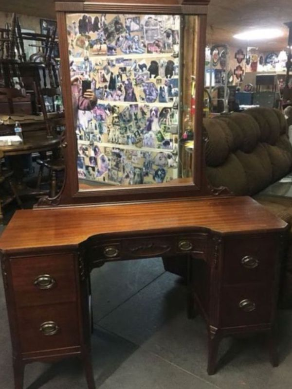 - Antique Wooden Vanity With Mirror For Sale In Wellsville, PA - OfferUp