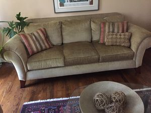 Gold sofa and love seat Good conditione for Sale in Rockville, MD