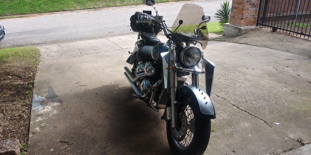 Photo 2004 Suzuki Volusia Intruder 800