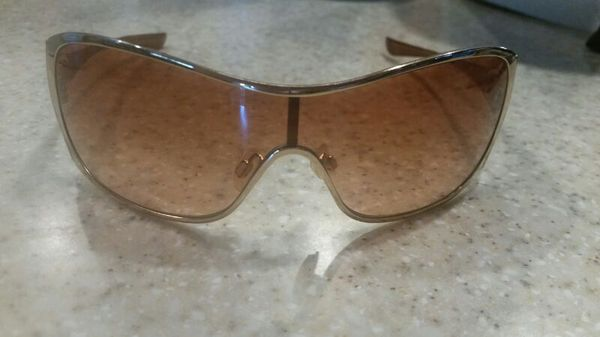 451c049fae Oakley Liv 127 sunglasses for Sale in Glendale