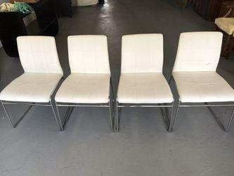 Set of 4 chairs Thumbnail