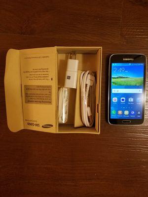 Samsung Galaxy S5 unlocked black for Sale in Gaithersburg, MD