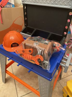 Photo Kids workshop with complete toolset and hard hat $30