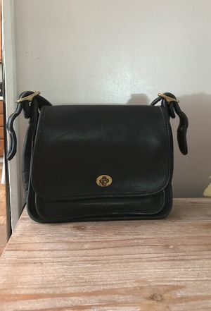 Coach purse - black for Sale in Raleigh, NC