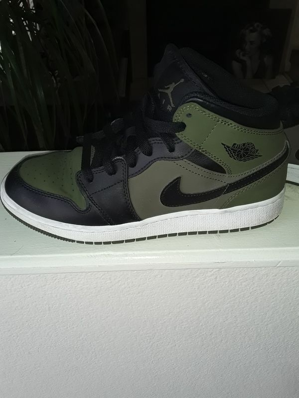 new product a5709 0cd1c Jordans size 7.5 womens for Sale in Denver, CO - OfferUp