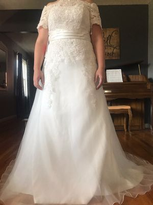 Wedding dress, ivory size 14 for Sale in Lexington, KY