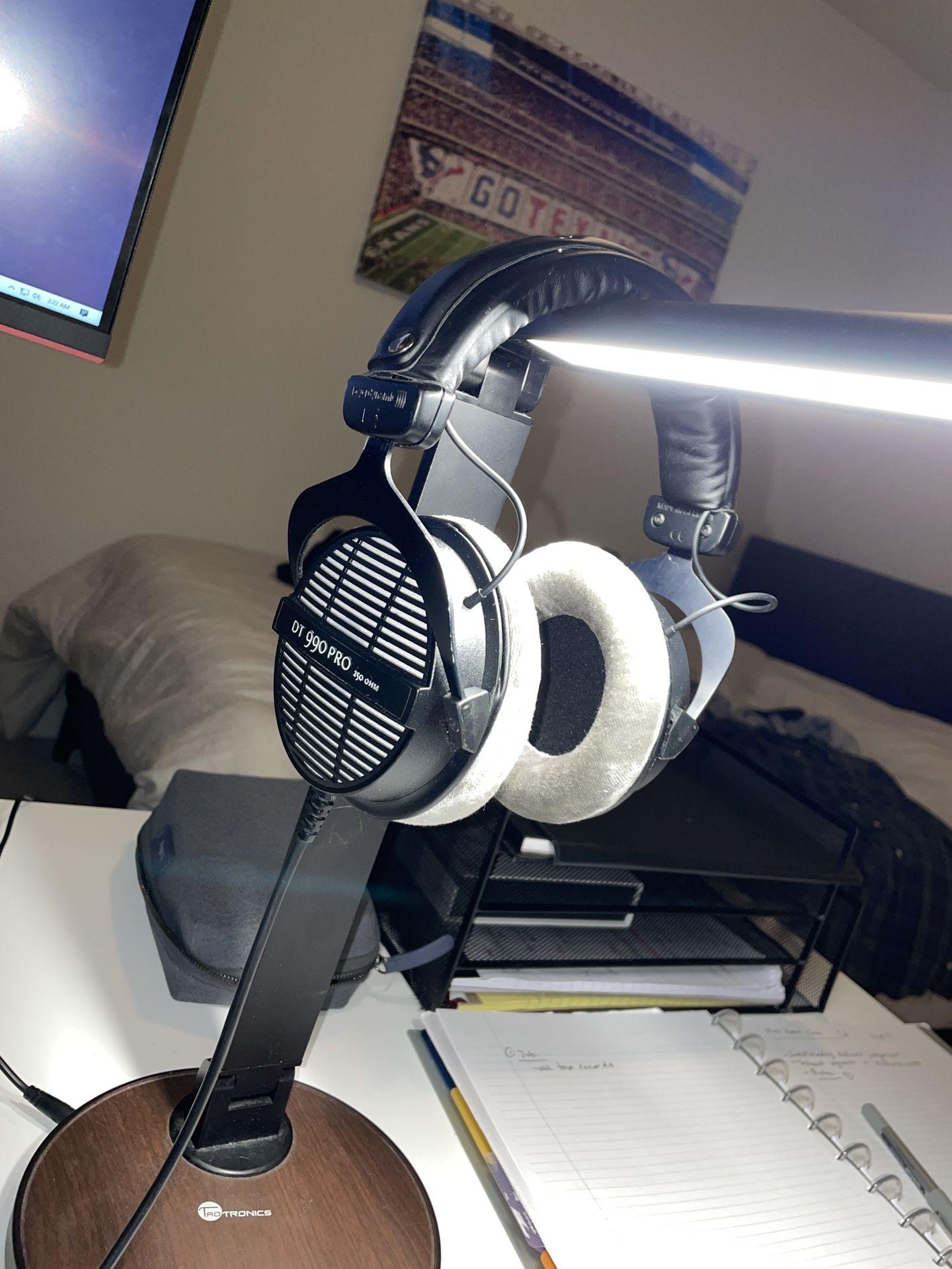 Beyerdynamic DT-990 Pro Studio Headphones