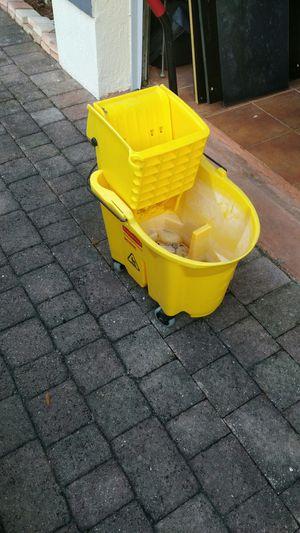 Floor bucket New for Sale in Miami, FL