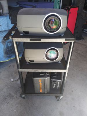 2 ds 650 christie Av projectors 3 lens for Sale in San Diego, CA