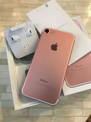 IPhone 7 Unlocked To (AT&T, H2O, Cricket, StraightTalk, Net10) + box and accessories + 30 day warranty for Sale in Washington, DC