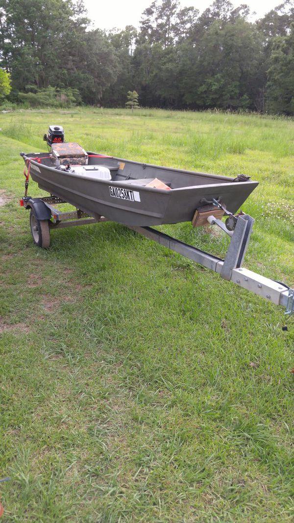 12 foot Grumman jon boat for Sale in Savannah, GA - OfferUp