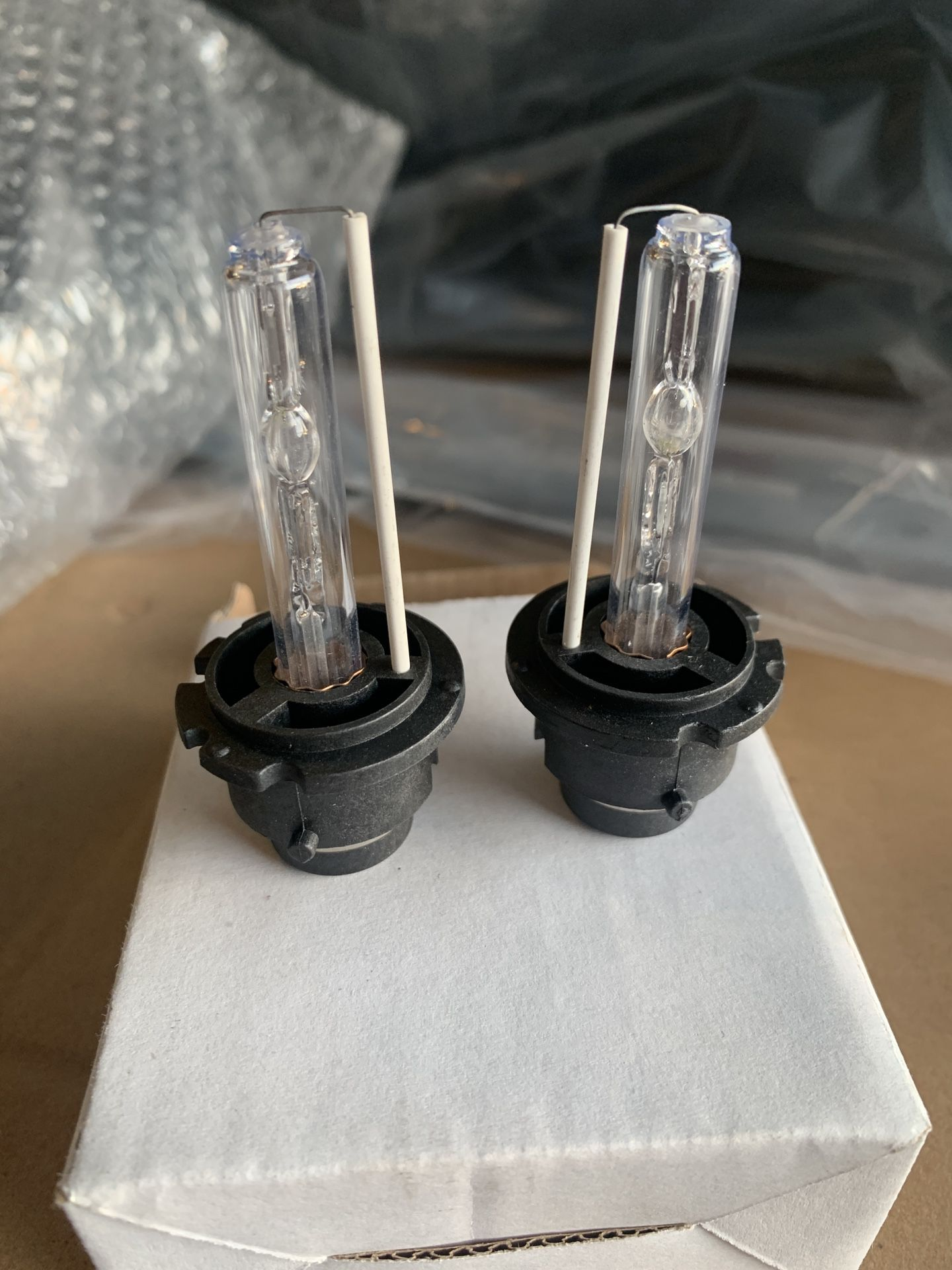 New D2S HID Headlight bulb replacements