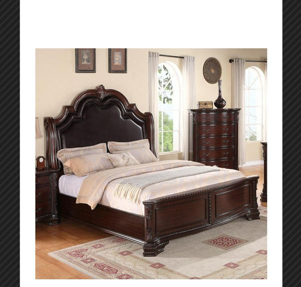 4 PC QUEEN /KING BEDROOM SET For Sale In Glendale, AZ