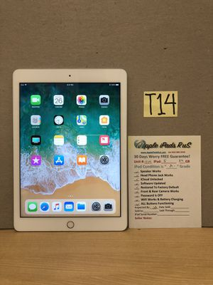 T14 - iPad 5 32GB for Sale in Los Angeles, CA