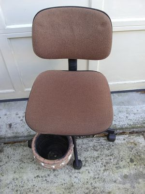 Fabric desk chair for Sale in Alexandria, VA