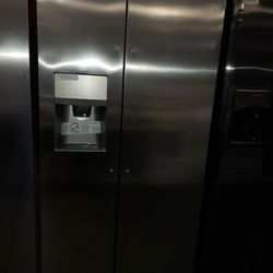 """Frigidaire 36""""wide Side By Side Stainless Steel Refrigerator New Scratch And Dent Thumbnail"""