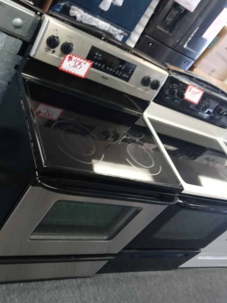 Kenmore Glass Top Electric Range Excellent Conditions 4 Months Warranty
