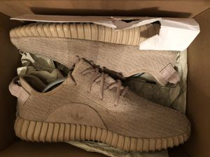 Yeezy 350 Oxford tans size 9 for Sale in West McLean, VA