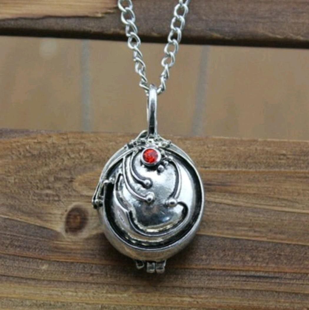 Vampire Diaries Lovers!!! Alainas Locket on (925) Sterling Silver Snakebone chain (locket does open) only only one left( silver in color)