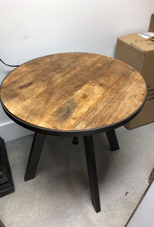 """Rustic bohemian side table with adjustable base - 23 1/2"""" x 23 1/2"""" x 22"""". Goes up to 28"""" high for Sale in Miami Shores, FL"""