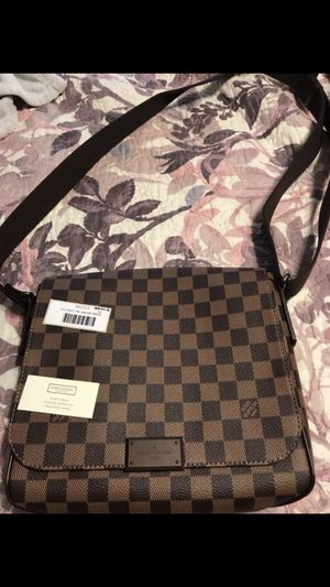 Authentic Louis Vuitton men's bag! for Sale in Silver Spring, MD