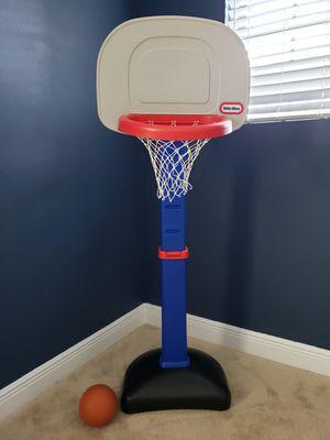 Photo Little Tikes Basketball Goal with Basketball Ball