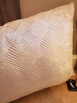 🔥🆕️ Off White/Cream 14 X 20 Feather Filled Throw Pillow Thumbnail