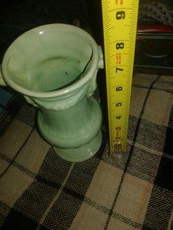 Beautiful green McCoy pottery vase Thumbnail