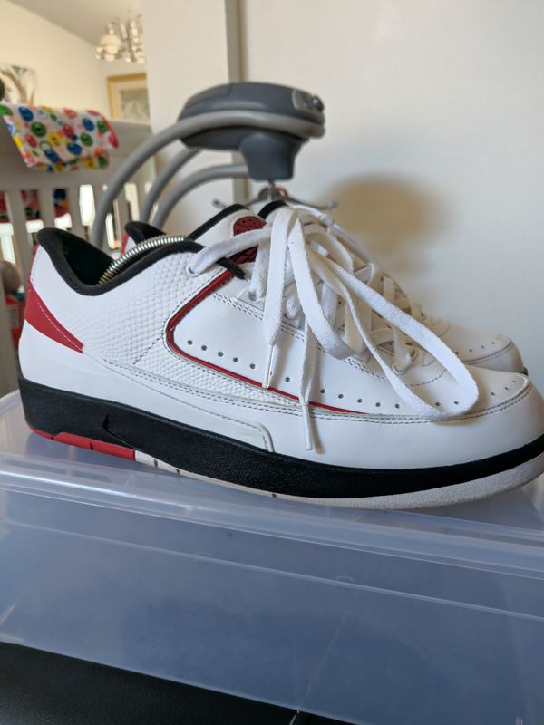 85db40765d2814 Nike Air Jordan 2 Low Chicago Size 10.5 for Sale in Seattle