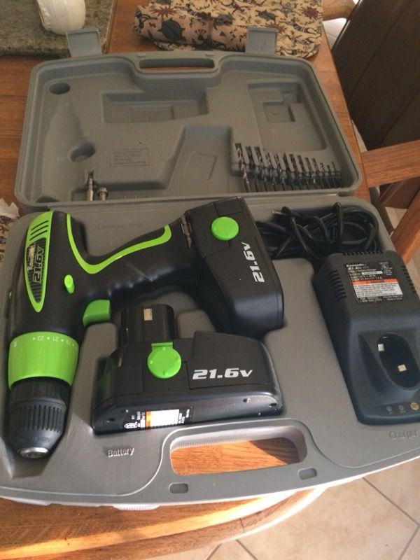 Power drill by Kawasaki 21.6 volts (Tools & Machinery) in Paradise