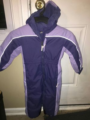 Girls double layered snow suit size 2 t for Sale in Baltimore, MD